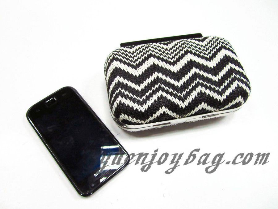 Black White Knitted Tribal Aztec Patterns Evening Purse Supplier