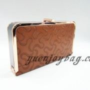 Brown pattern PU faux leather golden metal clip frame party clutch shoulder Messenger bag from factory