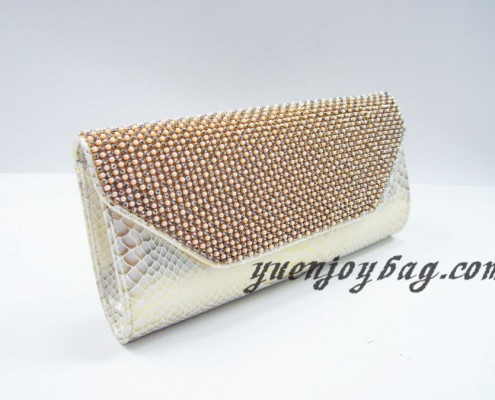 Wholesale Gold pearl rhinestone diamond snake skin PU leather evening bags from China manufacturer - side view